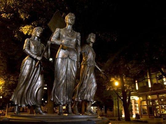 Suffragettes statue