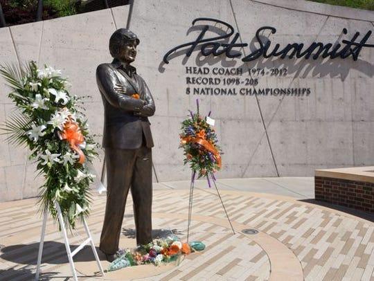Pat Summitt statue