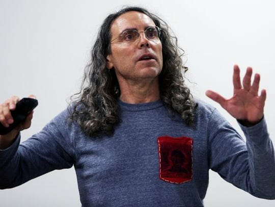 Tom Shadyac will receive the University of Memphis'Distinguished Achievement Award for the Creative and Performing Arts in April.