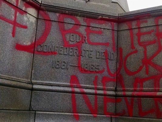 636437449408785298-Vandalism-two-1508159587770-11416438-ver1.0.jpg