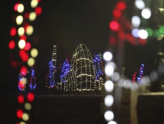 636479812838360826-Lights-Under-Louisville.jpg