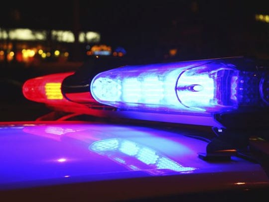 Four people werehospitalized following a single-vehicle wreck on Interstate 20Sunday night.