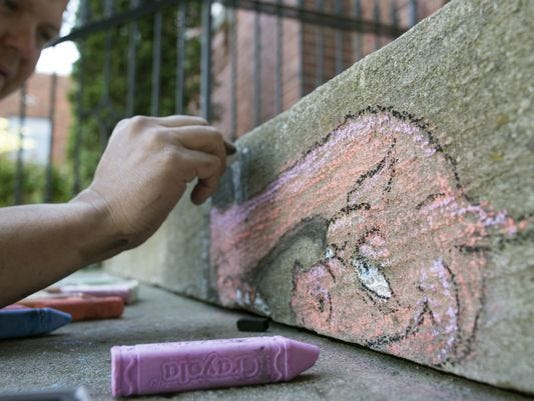 636583668427704171-636482379536084853-20160505-Franklin-Chalk-Art-005.JPG