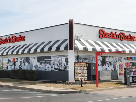 A Steak n' Shake restaurant sits on 96th Street just