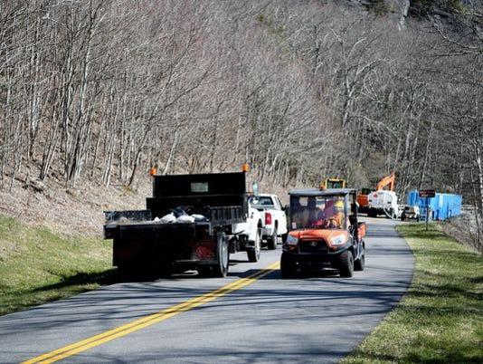 636685481404761274-trucks-on-parkway.jpg