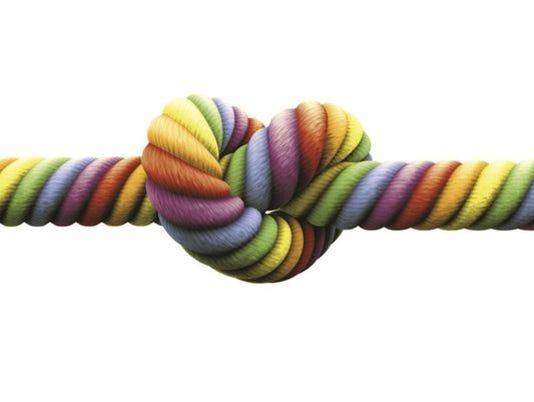 635525481527643970-gaymarriageknot2