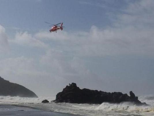 635487953908743546-635486543846161927-Depoe-Bay-rescue2