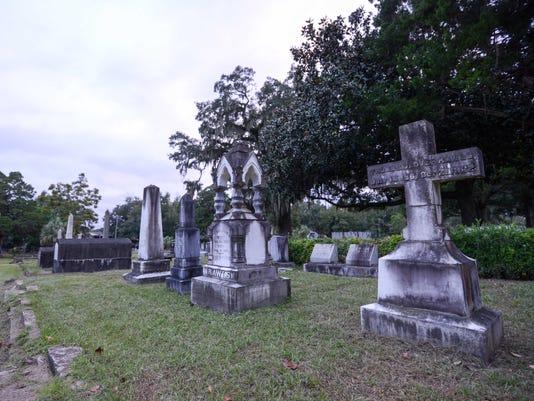 636440320000834204-TLHBrd-03-27-2016-Democrat-1-A015--2016-03-26-IMG-Old-City-cemetery-1-1-D0DSA10O-L783573398-IMG-Old-City-cemetery-1-1-D0DSA10O-1-.jpg