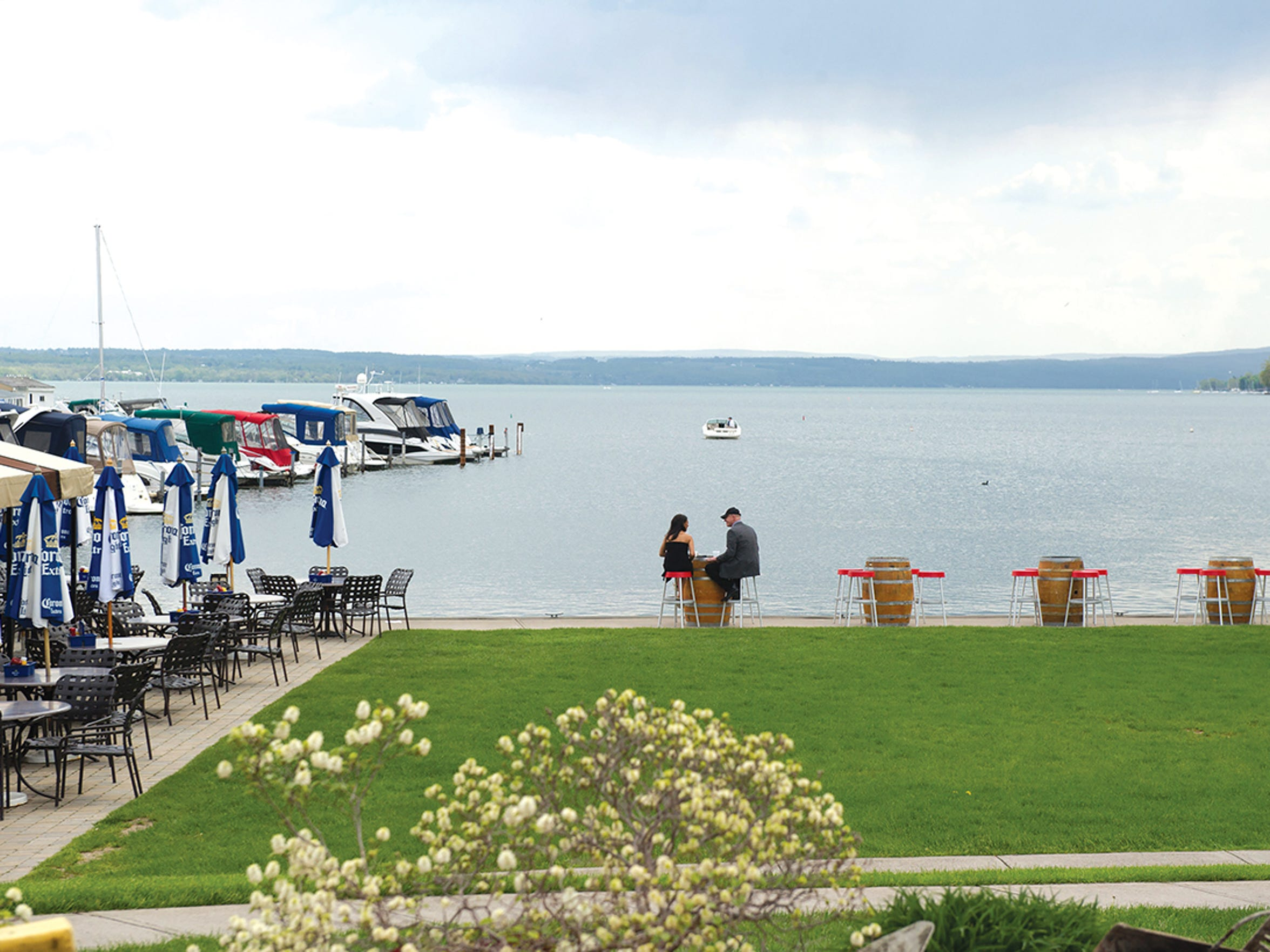 The Inn on the Lake's casual, open-air bar.