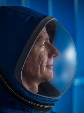 Boeing's new Starliner spacesuit features lightweight