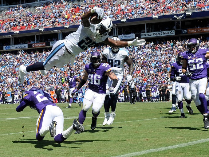 Titans running back DeMarco Murray (29) goes up high