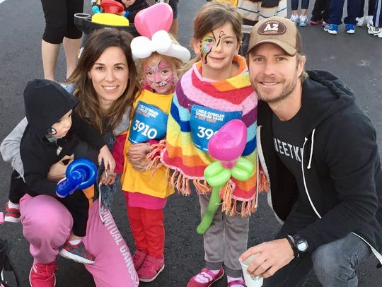 Country star Dierks Bentley and his wife, Cassidy,