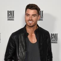 'The Bachelorette's' Luke Pell to perform May 27 at Bootz Saloon in Oak Creek