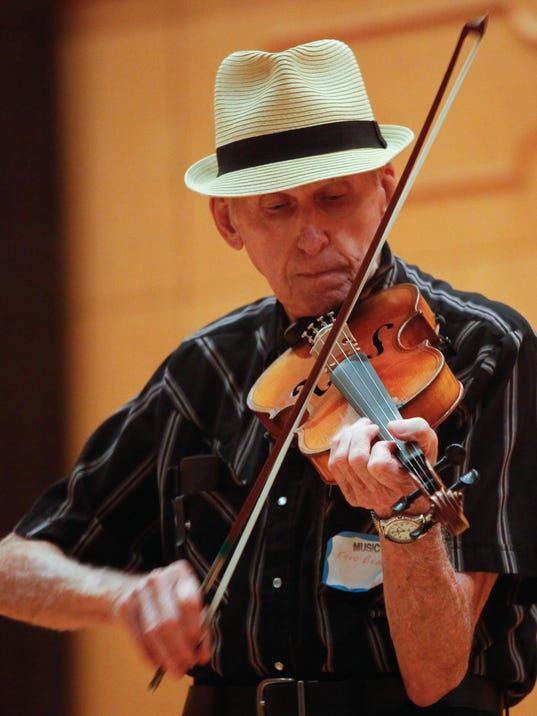 636112695717744691-Fred-Beavers-at-State-Fiddling-Championship-by-Peter-Jones.jpg