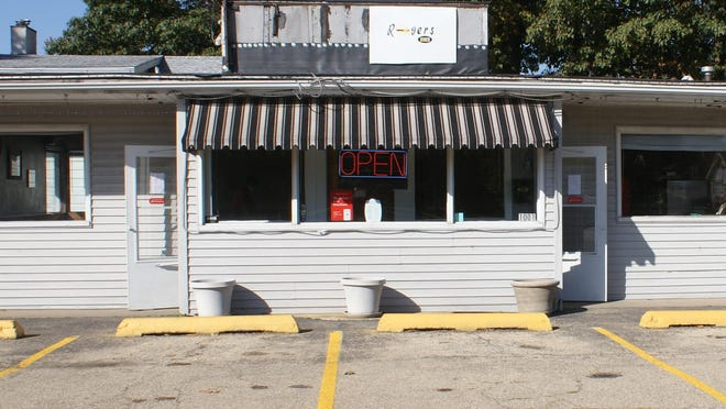 The co-owners of Rogers Diner, located at 1001 N. Eighth St., Pekin, are planning to keep the restaurant's dining room open in the face of restrictions that are set to take effect Wednesday.