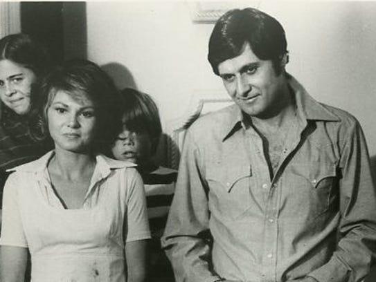 Barbara Harris and Joseph Bologna played a married