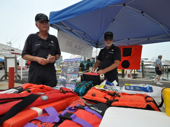 File: Arne Kelsey of the Coast Guard Auxiliary promotes