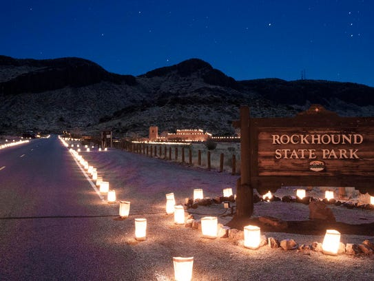 The twilight view of the entrance to Rockhound State