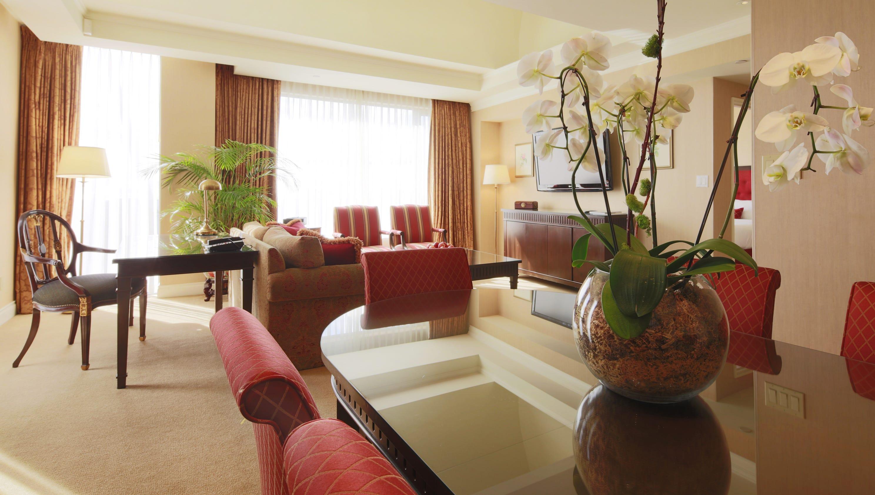 Hotels Set Aside Floors For Women