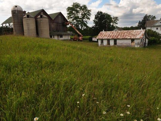 -DCA 0719 logerquist barn 5.jpg_20140715.jpg