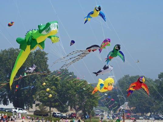 636051730160136382-Kites-8-22-15-S.jpg-Kites.jpg