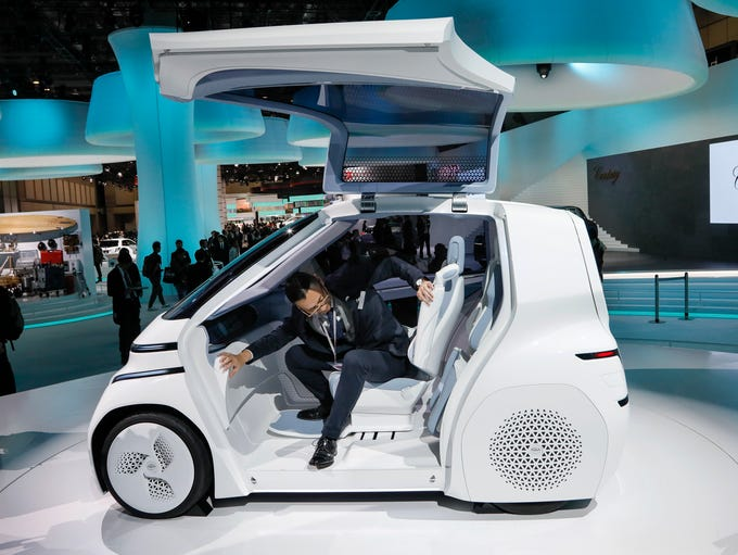 Tokyo Motor Show pushes the high-tech envelope