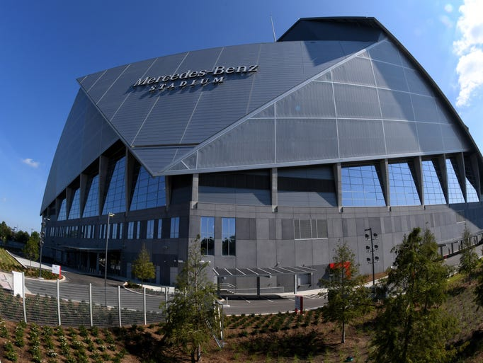 A look at mercedes benz stadium where the volunteers play for Mercedes benz stadium in atlanta georgia