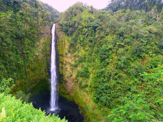 TRAVEL UST-HAWAII-WATERFALLS 8 SE