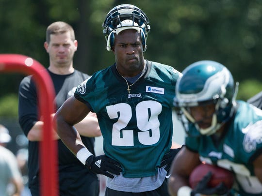Eagles running back DeMarco Murray is expected to get fewer carries this season than he did last season with Dallas, but he said he still plans on repeating as the NFL's rushing champion.