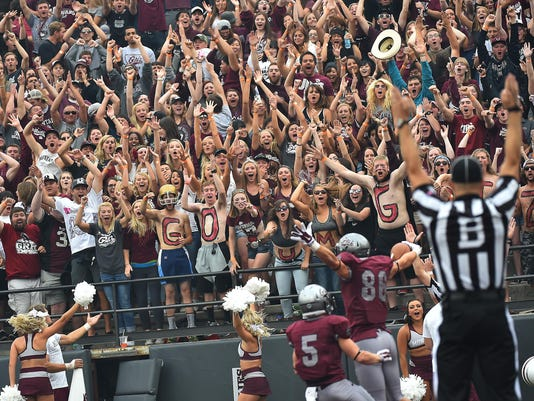 -washington griz celebration-hendrickson.jpg_20160902.jpg