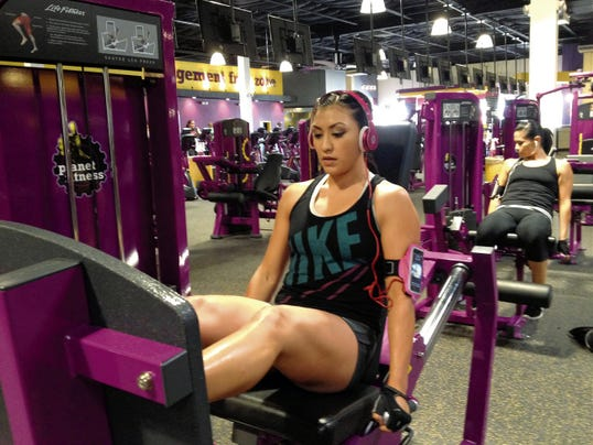 LUIS CARLOS LOPEZ — EL PASO TIMES Amanda Vallejo works on Monday at the new Planet Fitness in Pebble Hills.