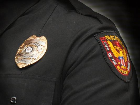 636153393730980112-Pascagoula-police-officer.JPG