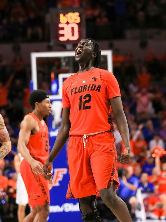 USP NCAA BASKETBALL: KENTUCKY AT FLORIDA S BKC FLO KEN USA FL