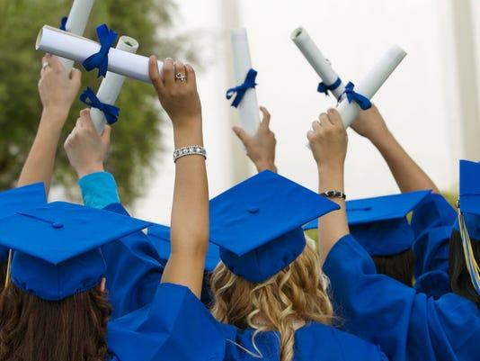 636553432734839488-college-grads.jpg