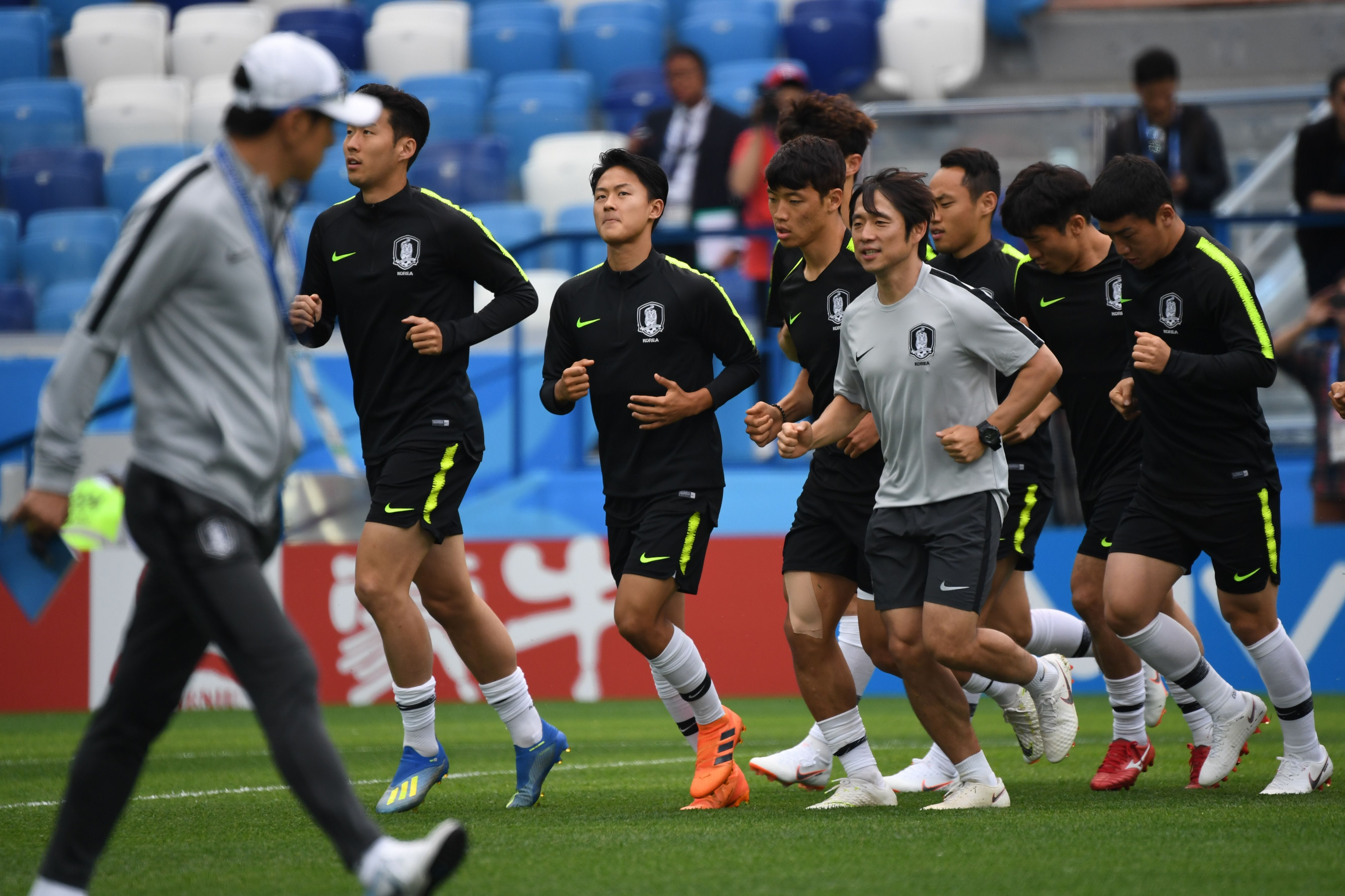 South Korean World Cup team confused a Swedish spy by swapping jerseys picture