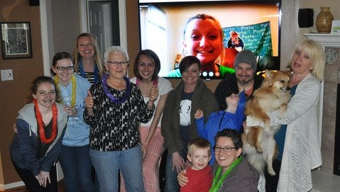 The hottest first-time mom trend is to throw a Skype Shower for families who can't get together.