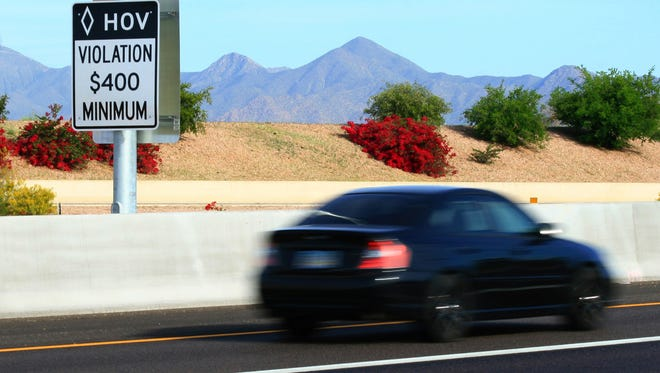 HB 2092 would have allowed on-duty police in marked vehiclesto usethe carpool lane without a second person in their car.