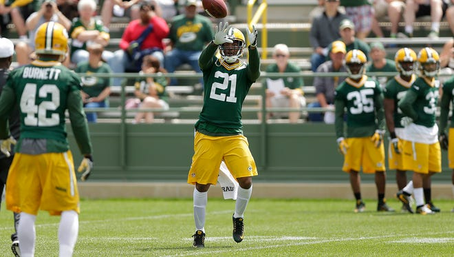 Green Bay Packers safety Ha Ha Clinton-Dix (21) runs a drill during Organized Team Activities at Ray Nitschke Field on Thursday, June 2, 2016.