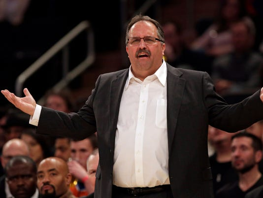 Detroit Pistons' Stan Van Gundy admits to scoreboard watching