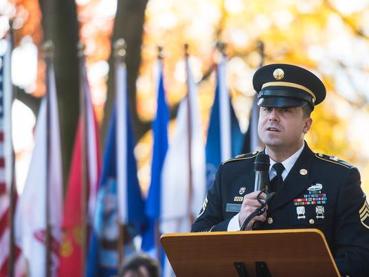2-LDN-JML-111116-veterans-day