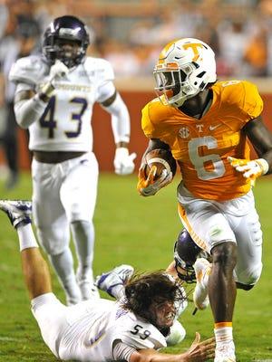 Tennessee running back Alvin Kamara (6) broke away several times against Western Carolina on Sept. 19, 2015.