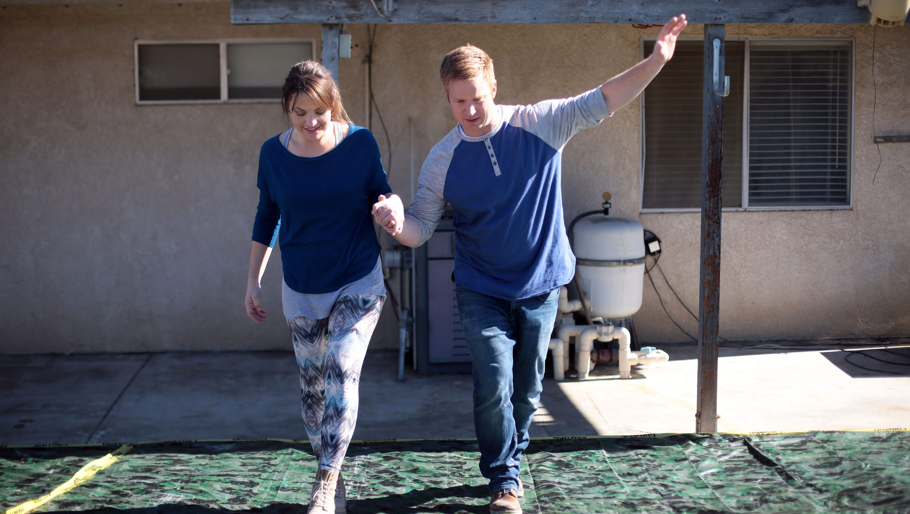 Hgtv 39 s 39 desert flippers 39 are back to flipping run down for 0 down homes