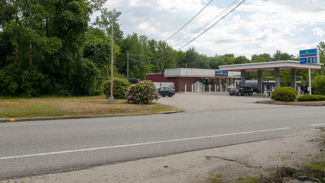 The Cumberland Farms on Upton Street (Route 140) in Grafton was once home to a Howard Johnson's restaurant.