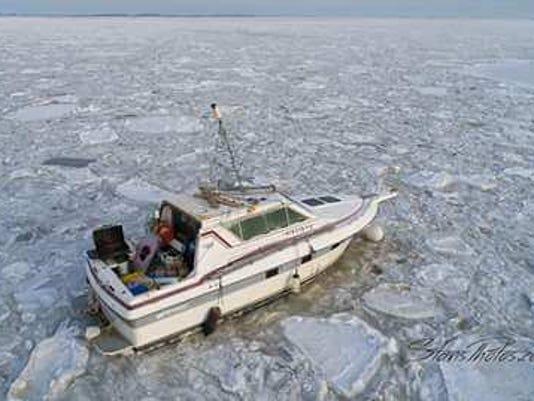 636515993692304839-boat-rescue-1.jpg