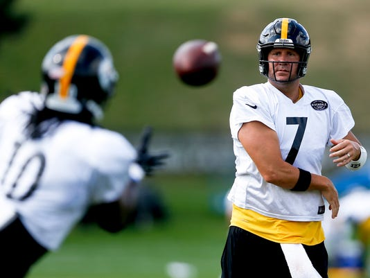 Pittsburgh Steelers quarterback Ben Roethlisberger (7) throws a pass to wide receiver Martavis Bryant (10) at practice during NFL football training camp in Latrobe, Pa., Wednesday, Aug. 16, 2017 . (AP Photo/Keith Srakocic)