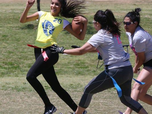 WOMEN-FLAG-FOOTBALL-4.jpg