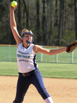 Cincinnati Country Day's Missy Dieckman-Meyer delivers a pitch.