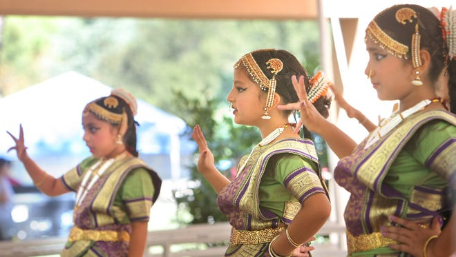 Youngsters perform a traditional Indian dance at last year's India Festival in Thousand Oaks.