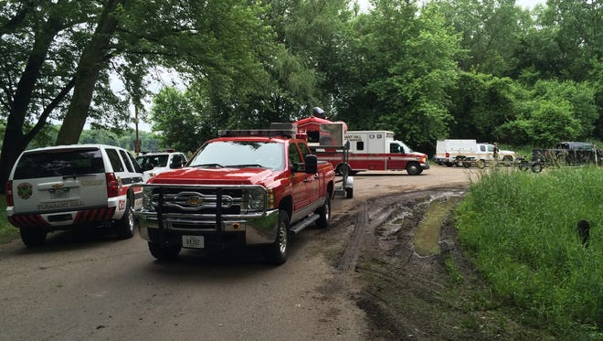 Emergency responders from Pleasant Hill and Polk County on the scene where boaters said they found a body in the Des Moines River at Yellow Banks Park.