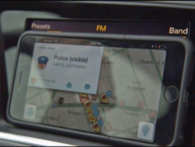Does Waze put police officers' lives at risk?